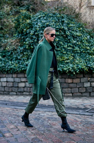 large_copenhagen-fashion-week-street-style-fall-2019-276554-1548838458867-image.500x0c.png
