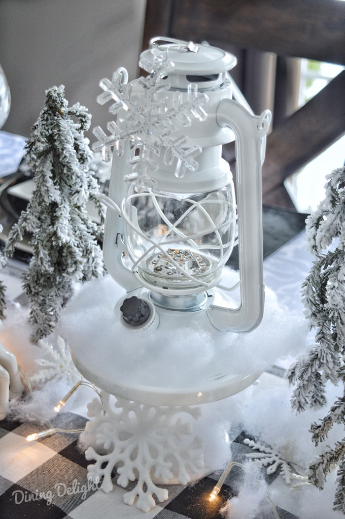 Vintage-Winter-Lantern.jpg
